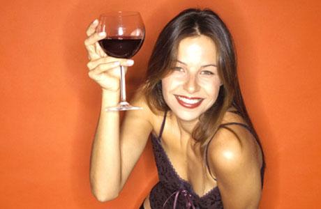 Bebida Alcoólica: benefícios e riscos à saúde